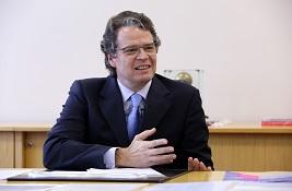 Dr André Müller Borges