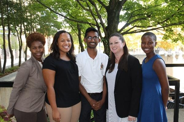 Sustainable Connections interns