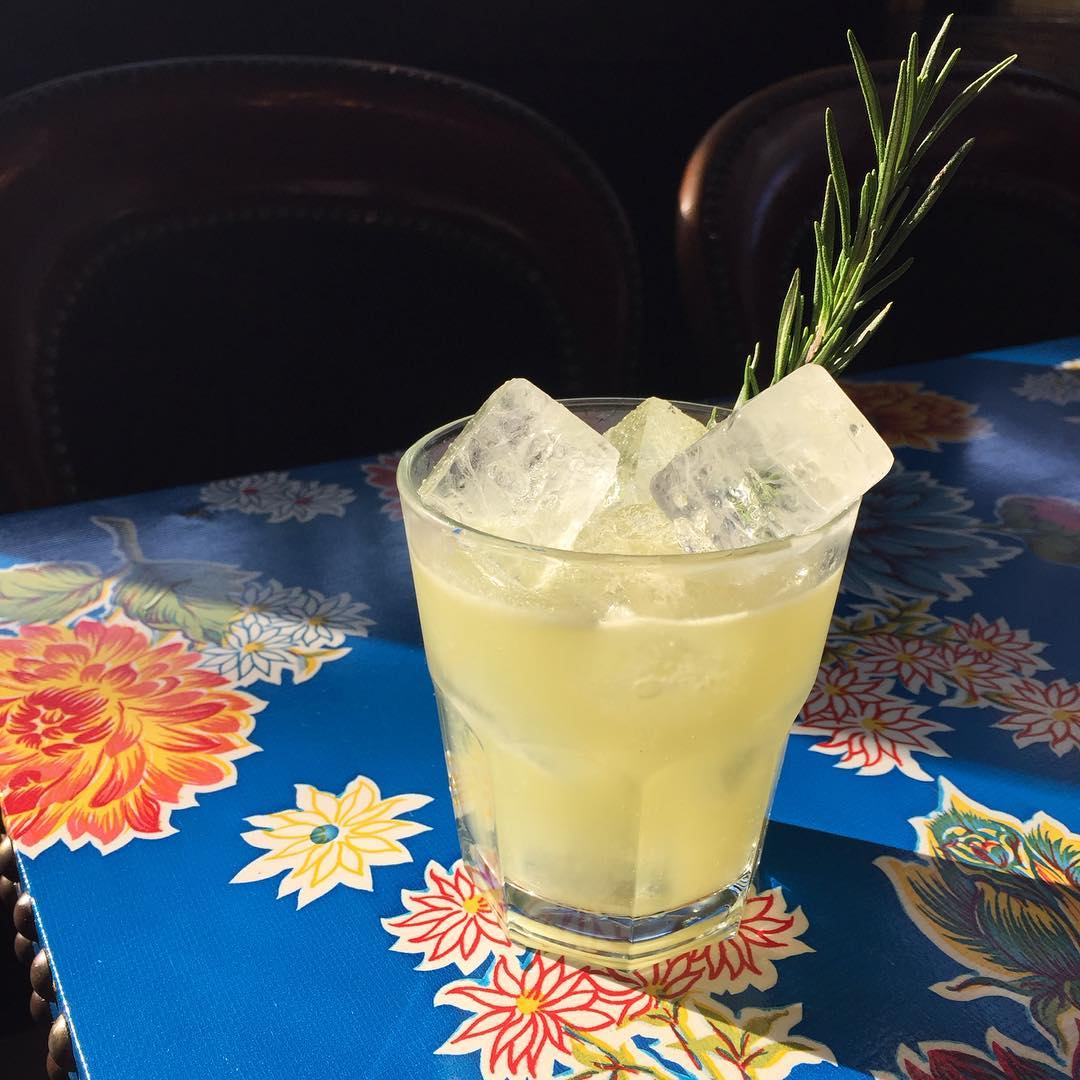 A summer cocktail at Fort Defiance