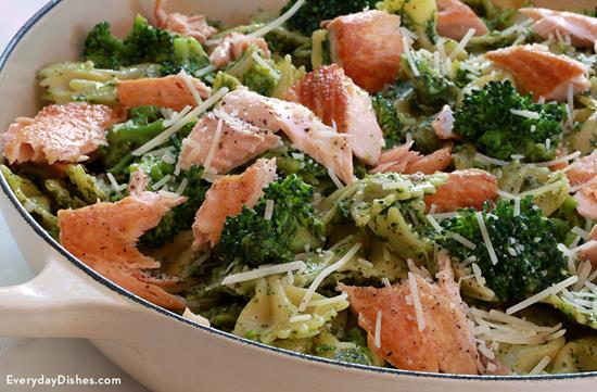 Salmon Pesto Pasta with Broccoli