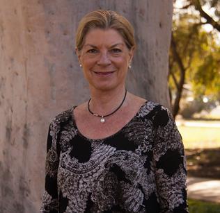 Lorraine Lovitt