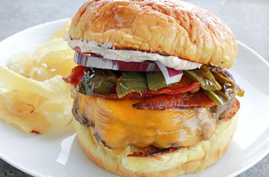 Bacon jalapeño burger