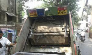 Mumbai Garbage Truck with CSL CS203 Integrated RFID Reader