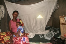 Door-to-door bednet distribution in Zambia