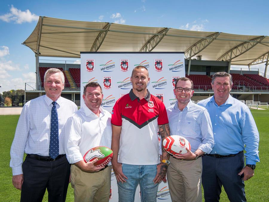 Mid-Western Regional Council General Manager, Brad Cam,Nationals candidate for Dubbo, Dugald Saunders, Dragons ambassador, Matt Cooper, Minister Marshall and Mid-Western Regional Council Mayor, Des Kennedy.