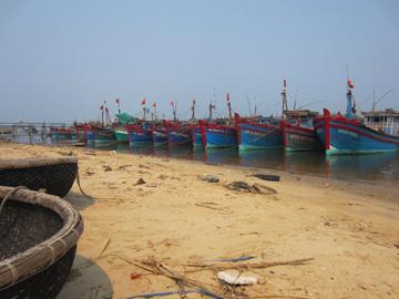 Dong Hoi shipyard. © Suzanne Stas.
