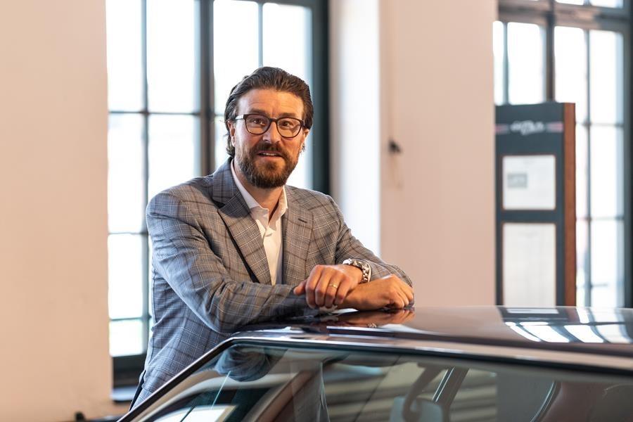 Philip Ringier, Sales Manager