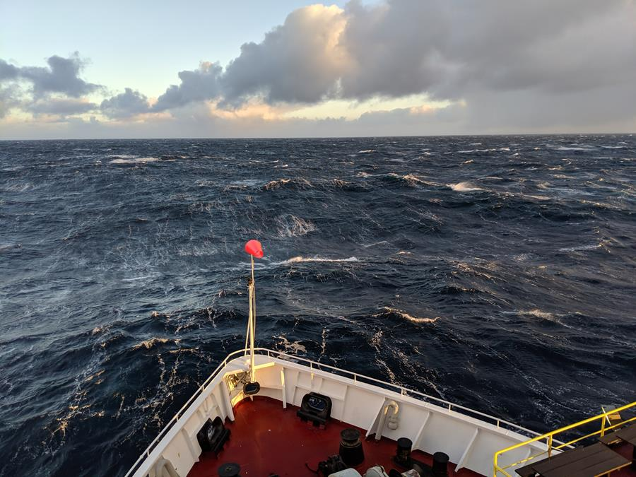 RV JOIDES Resolution, sailing in Southern Ocean, July 2019 - Gisela Winckler