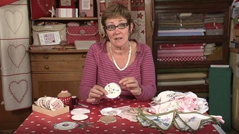 Make a vintage pinkeeper with Mandy Shaw