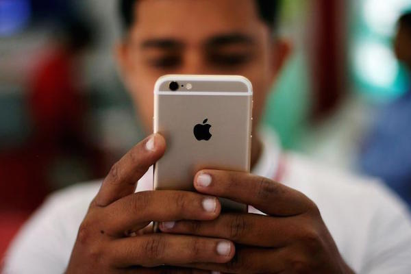 NO MORE THUMB PRINTS – APPLE HOPING TO USE 3D FACE SCANNING FOR THE IPHONE