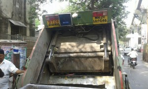 Mumbai Garbage Truck with CSL CS203 Integrated RFID Reader