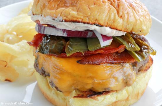 Juicy Bacon Jalapeño Burger