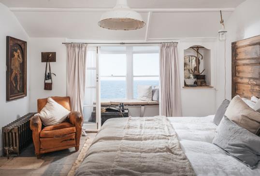 Alba Beach House | Unique Homestays