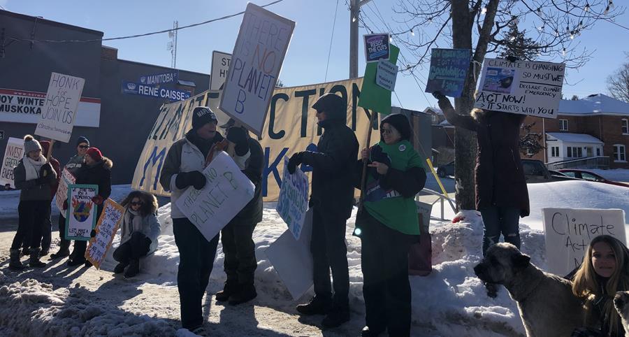 Climate strikers in Bracebridge, January 2020