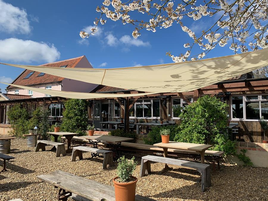 Outdoor Dining at The Pigs